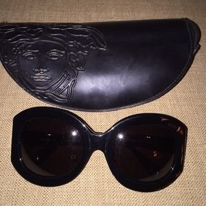 Authentic Versace Sunglasses Model 4057